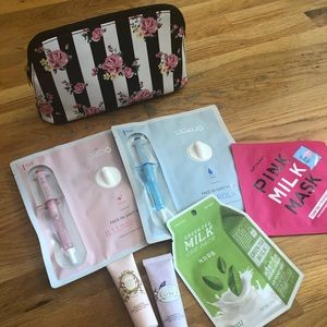 Sheet Mask Set with Cosmetics Bag